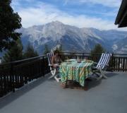Uitzicht op de bergen vanaf het terras van Chalet la Buche